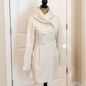 White collar shawl coat
